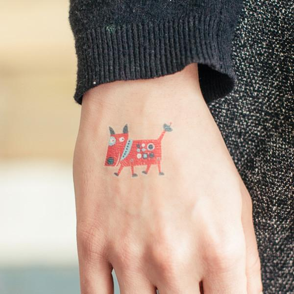 Temporary Robo Dog Tatoo on Hand