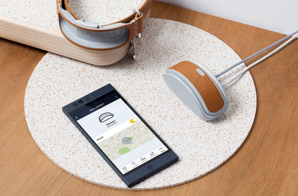 Charging the Link AKC Smart Collar